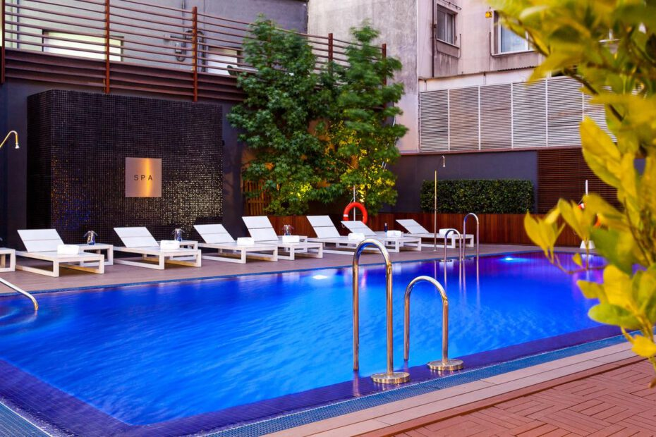 hoteles-piscina-golf-madrid